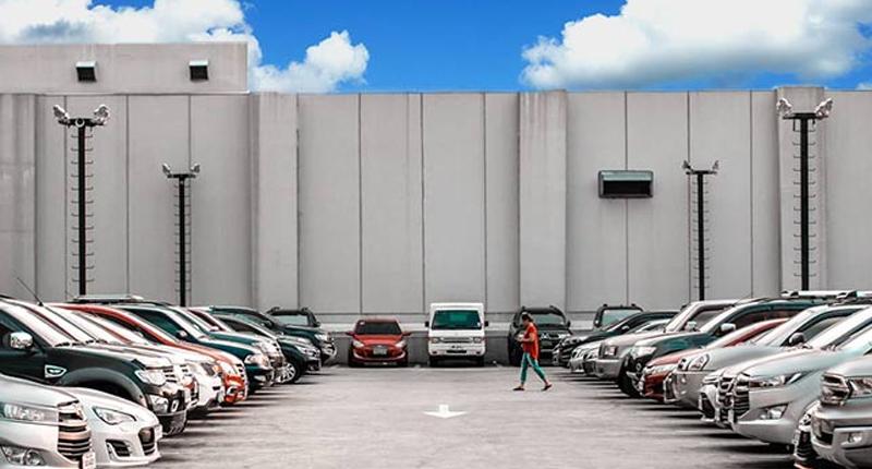 automotive retailer stocks